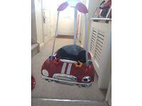 Baby car door bouncer