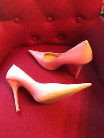 Ladies shoes size 4 pink worn once