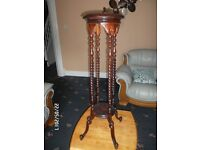 VINTAGE WOODEN PLANT STAND / VASE OR SHABBY CHIC