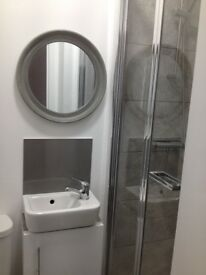 A lovely modern En-suite room is available right now in Plaistow off Prince regent lane, London E13