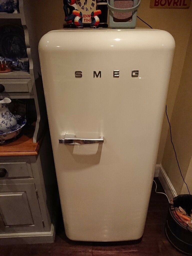Smeg fab 28 retro fridge