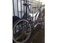 Sports utility bicycle, white and silver, good tyres and brakes, Credo f s line cross country