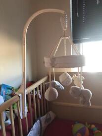Wind up baby crib musical mobile
