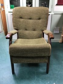 Traditional upright arm chair