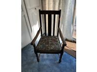 4 dining chairs, 2 with arms. Old, but good condition. Part of house clearance #warlhsesale
