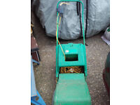 Qualcast XR30 cylinder electric lawnmover
