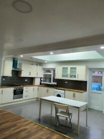 5 bed house with 3bathrooms new refurbished