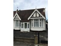 BEAUTIFUL 3 BEDROOM BUNGALOW - SEVEN KINGS