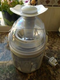 Cookworks Juicer.... only used a few times.... £15 cash and collection only