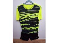 Li-Ning Badminton Shirt / Short set / BNWT