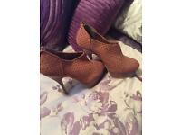Shoes and boots size 6/7