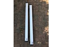 Thule 961 Roof Bars plus 753 Rapid System Footpack