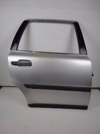 VOLVO XC90 02-06 Rear Right Driver O/S Door In Silver 426-26 Ref 88040