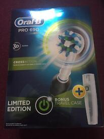 Oral B 690 LTD ED , electric toothbrush