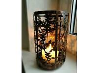 Metal vine leaf candle holder