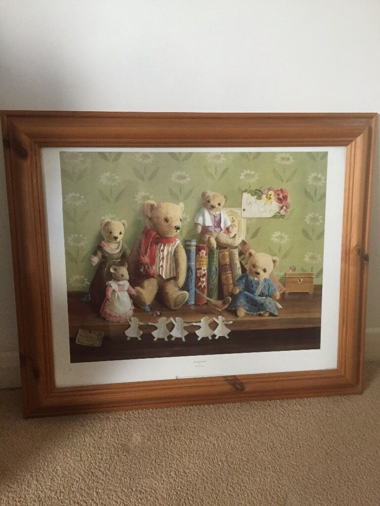 Bear picturein Witham, EssexGumtree - Bear picture with pine frame, great condition Height 23 inches Width 28 inches Witham Essex
