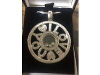 18 carot white gold necklace with just under 1 carot of diamonds for sale