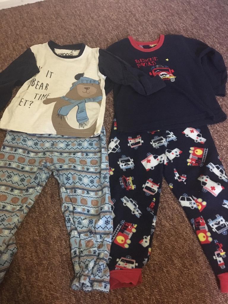 7 Sets Of Boys PJs Size 4-5