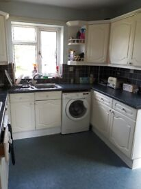 Large double room to rent, west green, crawley