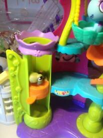 Littlest Pet Shop play centre
