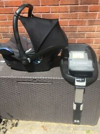 Maxi Cosi Cabriofix Car Seat and Family IsoFix Base