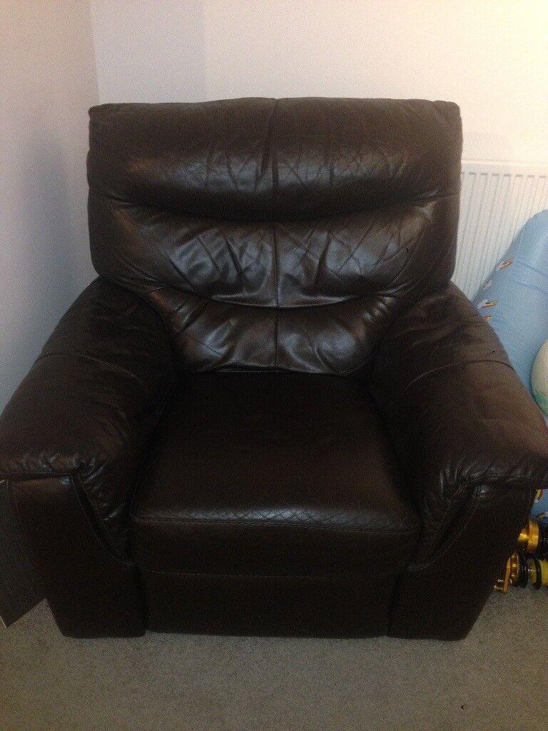 ELECTRIC dark brown recliner