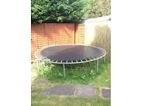 Trampoline in excellent condition
