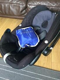 Maxi Cosi Pebble Car Seat - Black inc raincover