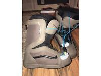 Vans encore snowboard boots size 9.5 UK