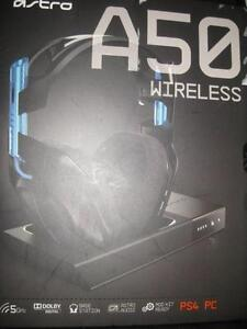 Astro A50 Wireless Dolby 7.1 Surround Sound Gaming Headset. Built-in Mix Amp. Base Station. for PS4 / Computer PC. NEW