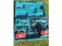 Makita 18v combo drill + 2 batteries + charger