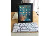 IPad 3, 16Gb boxed with Apple Smart Keyboard