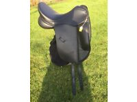 """18"""" high wither Ideal Suzanna dressage saddle"""