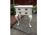 Shabby chic 2 drawer table