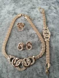 New 4 piece gold diamante jewellery set