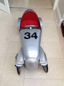 Baghera racing pedal car