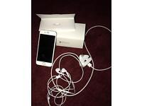 iPhone 6 - White/Silver - 16GB UNLOCKED