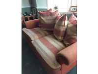Excellent quality smoke free house 2 bed settee couches