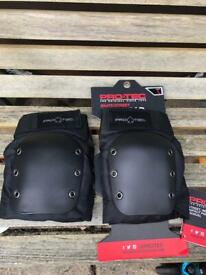 Pro-tech knee pads