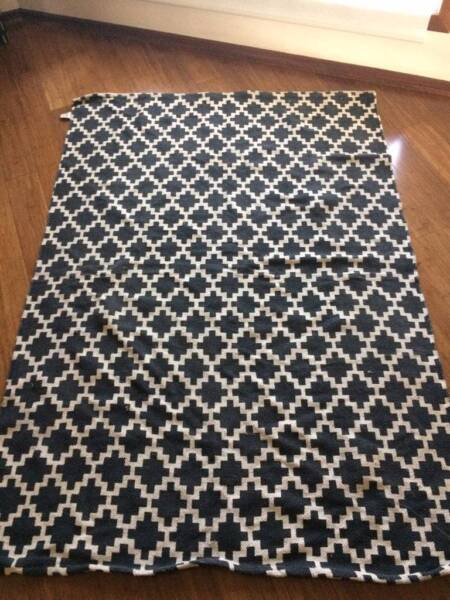 Beautiful Modern Funky Rug Excellent Condition Hardly Used Rugs Carpets Gumtree Australia Glen Eira Area Caulfield South 1162359494