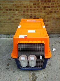 XXL pet carrier/cargo cage with accessories