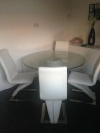 DINNING TABLE GLASS CREAM SEATS£300