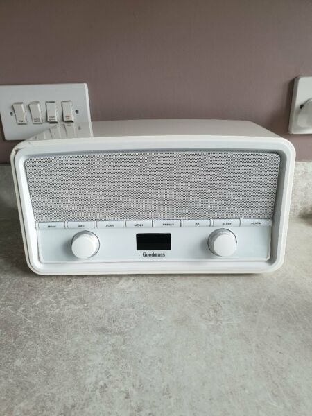 Goodmans DAB/Bluetooth white gloss speaker for sale  South Shields, Tyne and Wear