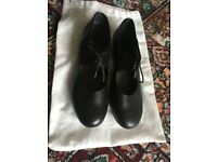 Womens size 5 tap dancing black shoes