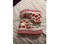 Size 6 Converse All Star Strawberry Platform Women Shoes