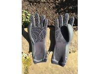 Winter water sport gloves