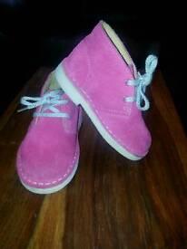 Girls junior clarks suede boots size 6G uk
