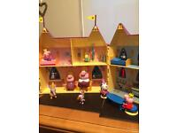 SOLDPeppa Pig Castle & characters