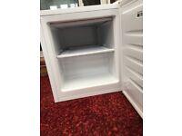 Table top/mini freezer