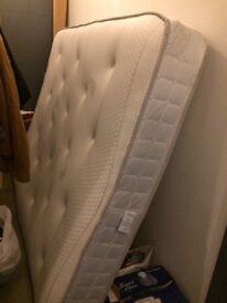 4 months old memory foam mattress(king size)